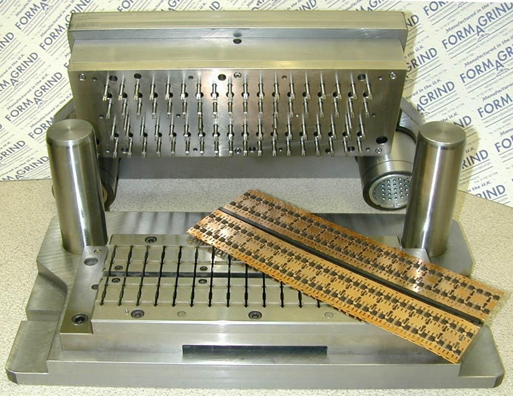 Semiconductor-Press-Tool